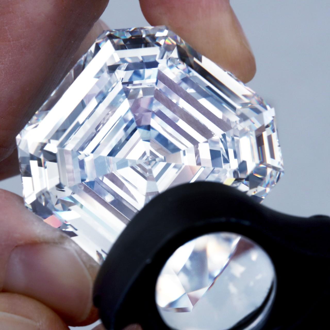 9fd341ef60a50 How the Graff Lesedi La Rona diamond dazzled the gem world | South ...