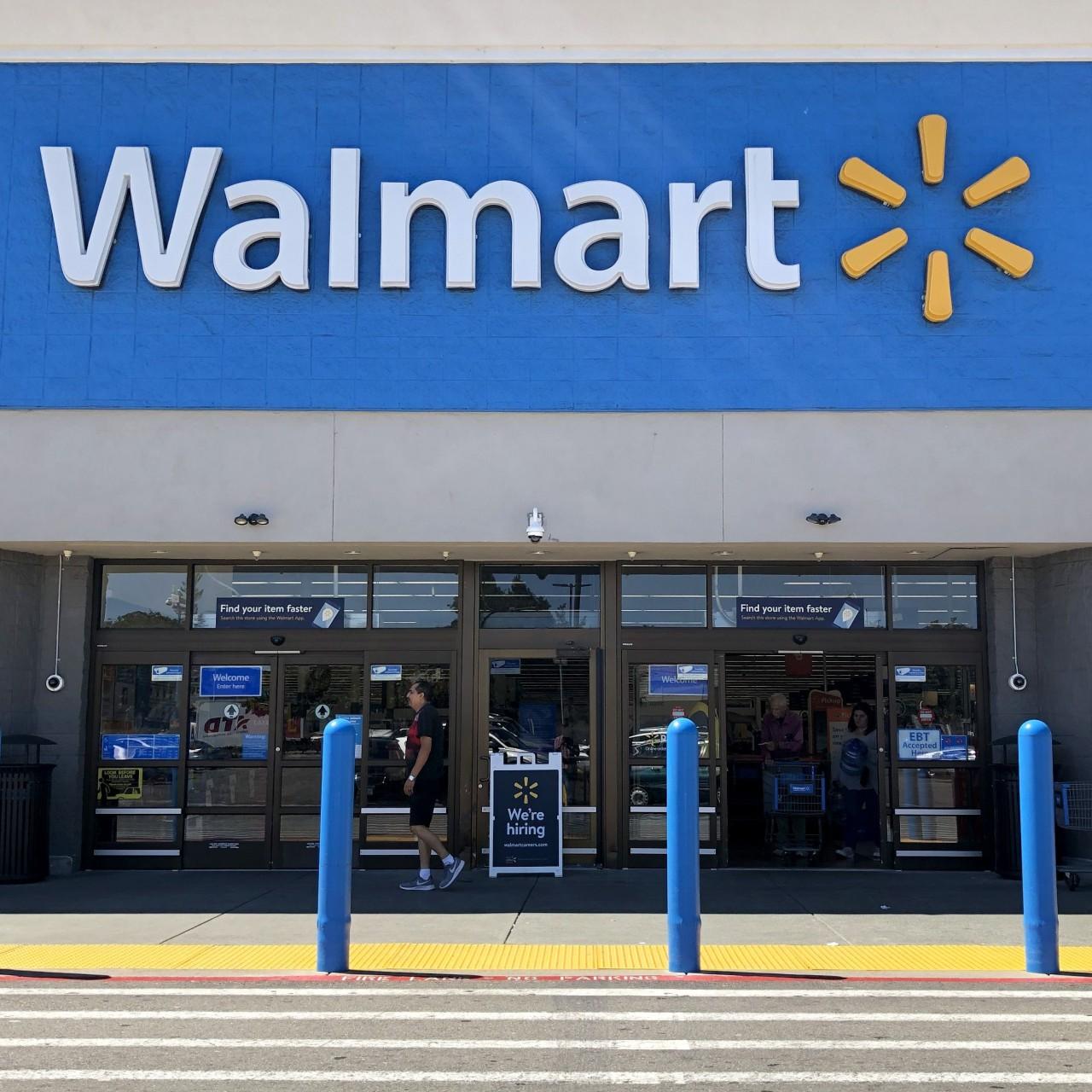 US mass shootings: 20 killed in Texas Walmart, 9 in Ohio bar