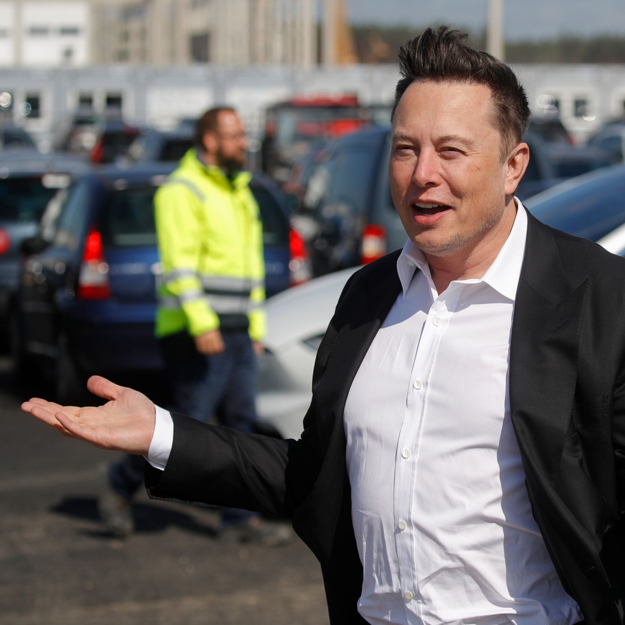 South African-born Elon Musk Overtakes Jeff Bezos to become the richest man in the world - Tatahfonewsarena