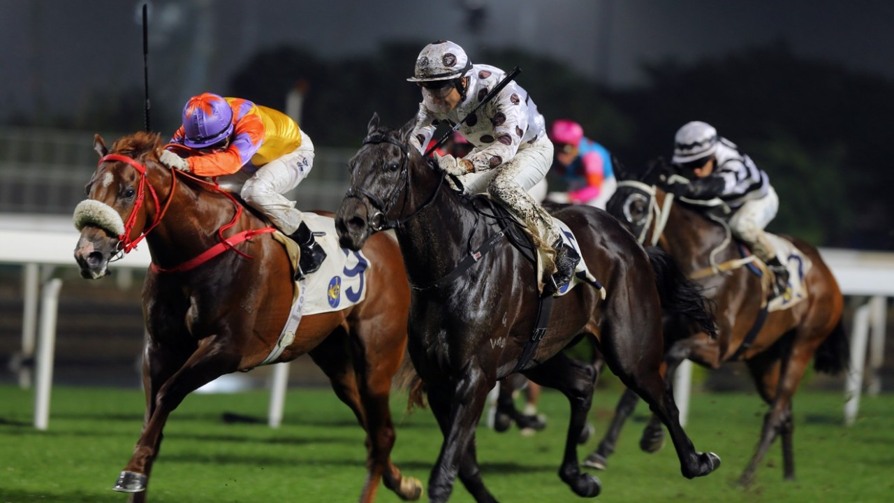 Race 10, World Record (2nd left), ridden by Grant van Niekerk, beats Superich (No. 9) to win the class 2 over 1400m at Sha Tin. 25NOV18
