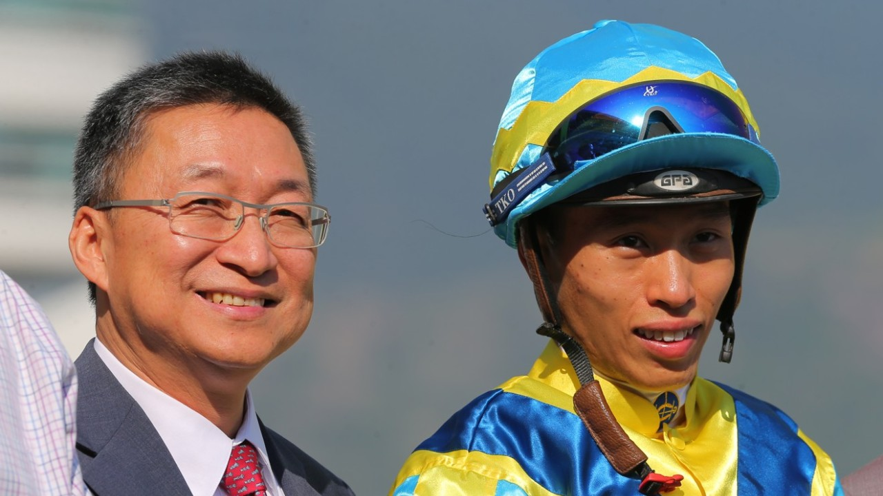 Race 6, Francis Lui with Vincent Ho won the class 3 over 1000m at Sha Tin on 21Sep19.