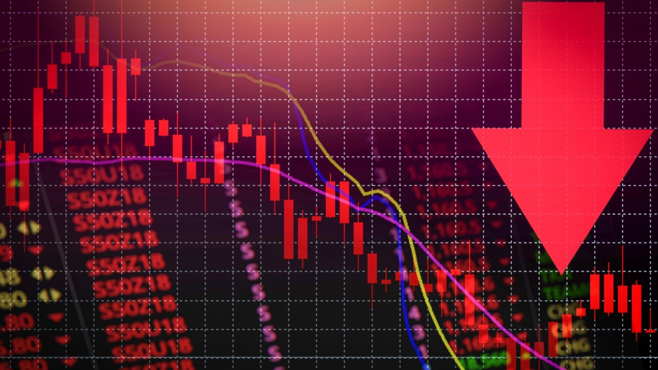 Hong Kong stocks may remain volatile for months due to Covid-19 pandemic, says analyst Kenny Wen